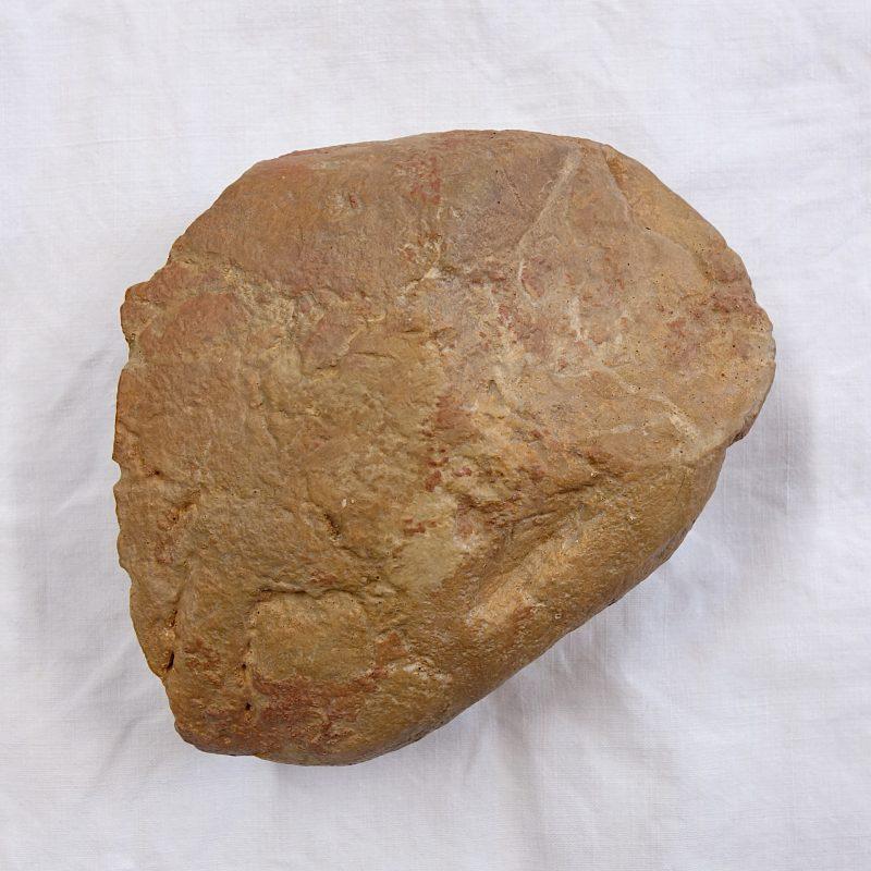 Chopping tool, grotte du Vallonnet, Acheuléen