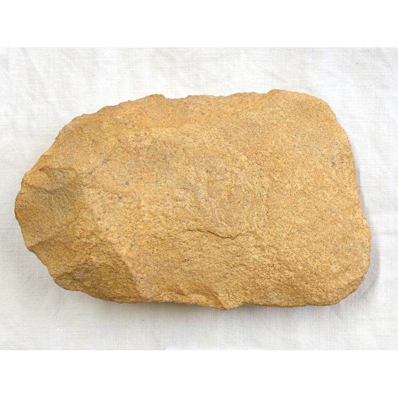 Hachereau en grès quartzite, industrie lithique acheuléenne, Tighennif (Algérie)